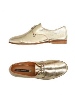 Обувь на шнурках ALBERTO FERMANI. Цвет: золотистый