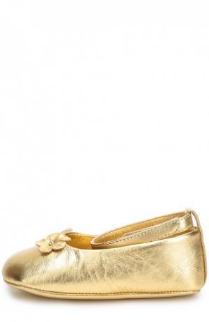 Пинетки из металлизированной кожи Dolce & Gabbana. Цвет: золотой
