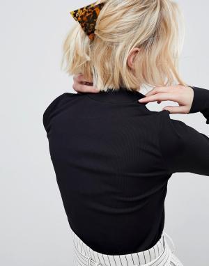 ASOS Треугольная заколка для волос с черепаховым рисунком. Цвет: мульти