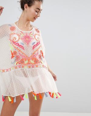 River Island Свободное пляжное платье с вышивкой и отделкой кисточками. Цвет: белый