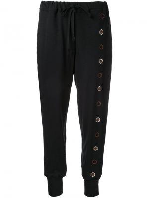 Спортивные брюки с цветочной вышивкой Jupe By Jackie. Цвет: чёрный