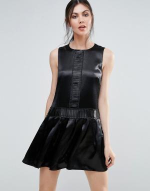 Endless Rose Цельнокройное платье цвета металлик. Цвет: черный