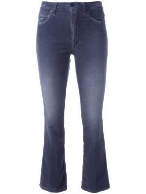 Укороченные расклешенные джинсы +People. Цвет: серый