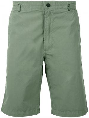 Шорты до колена Maharishi. Цвет: зелёный