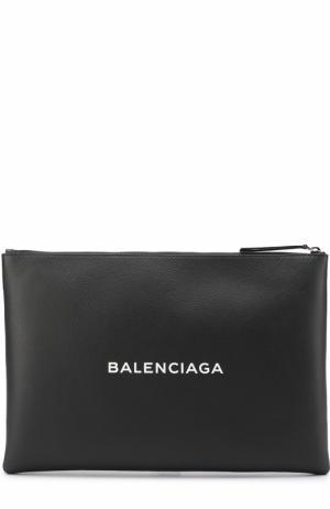 Кожаный клатч с логотипом бренда Balenciaga. Цвет: черный