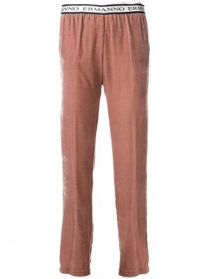 Укороченные брюки Ermanno. Цвет: телесный