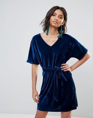Soaked in Luxury Бархатное платье с расклешенными рукавами. Цвет: зеленый