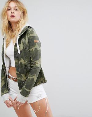 Hollister Куртка в стиле милитари. Цвет: зеленый