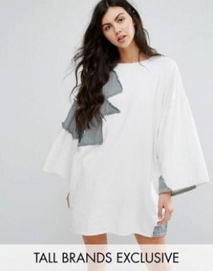 Waven Tall Джинсовое платье в стиле пэтчворк. Цвет: белый