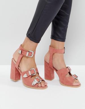 Raid Босоножки в стиле вестерн на каблуке Reeta. Цвет: розовый