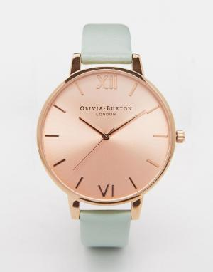 Olivia Burton Большие часы с циферблатом цвета розового золота и бледно-зеленым реме. Цвет: золотой