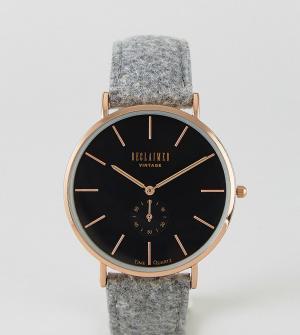 Reclaimed Vintage Часы с серым шерстяным ремешком Inspired эксклюзивно. Цвет: серый