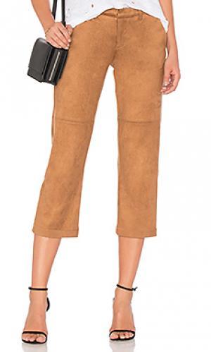 Укороченные брюки из замши David Lerner. Цвет: коричневый