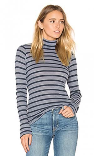 Полосатый утепленный  свитер с высоким воротом Stateside. Цвет: серый