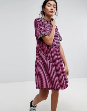 Lazy Oaf Свободное платье в полоску. Цвет: розовый