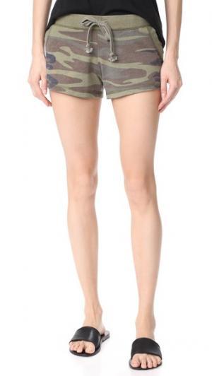 Камуфляжные шорты Z Supply. Цвет: зеленый хаки