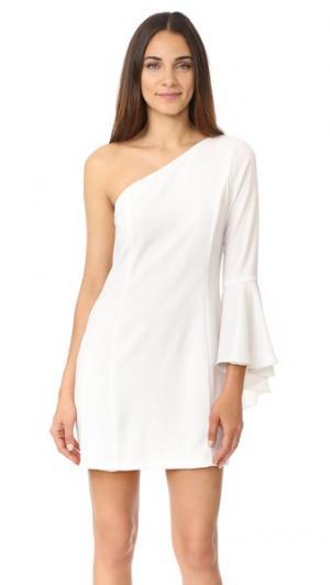 Платье на одно плечо с расклешенными рукавами WAYF. Цвет: золотой