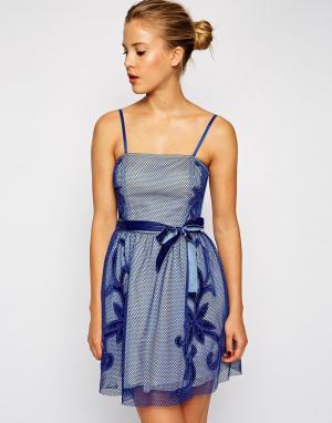 ASOS Платье для выпускного с сетчатой аппликацией. Цвет: черный