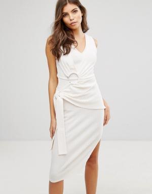 Lavish Alice Платье в рубчик с поясом. Цвет: белый