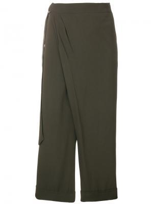Укороченные брюки с запахом IM Isola Marras I'M. Цвет: зелёный