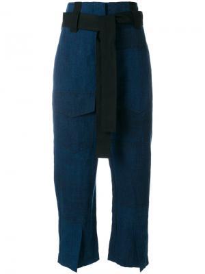 Укороченные брюки  с поясом Odeeh. Цвет: синий