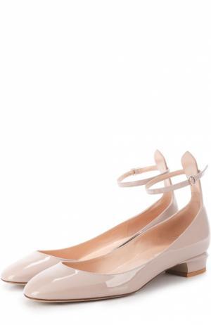 Лаковые туфли Tan-Go с ремешком на щиколотке Valentino. Цвет: бежевый
