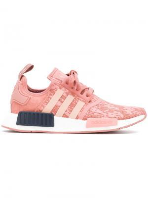 Кроссовки NMD_R1 Adidas. Цвет: розовый и фиолетовый