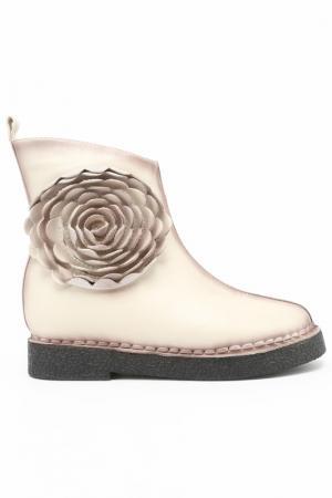Ботинки Melani. Цвет: белый