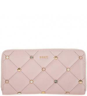 Стеганый кошелек с декоративной отделкой DKNY. Цвет: розовый