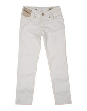 Джинсовые брюки DIESEL. Цвет: белый
