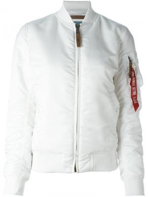 Куртка-бомбер Alpha Industries. Цвет: белый