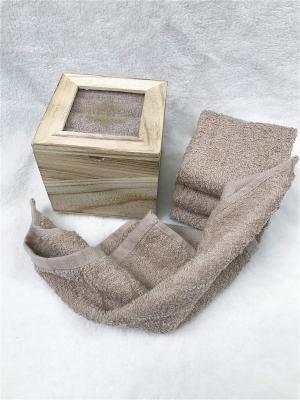 Набор салфеток в декоративной упаковке Sofi de Marko. Цвет: коричневый