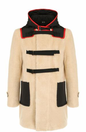 Пальто из эко-меха на молнии с капюшоном No. 21. Цвет: бежевый