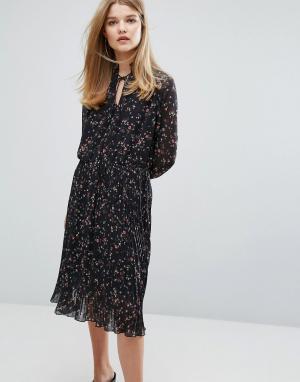 Gestuz Платье с цветочным принтом Getsuz Stacie. Цвет: мульти