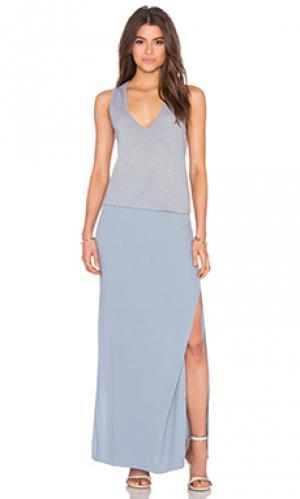 Макси платье с глубоким v-образным вырезом MONROW. Цвет: аспидно-серый