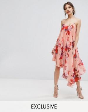 Hope and Ivy Асимметричное платье на бретельках с цветочным принтом &. Цвет: мульти
