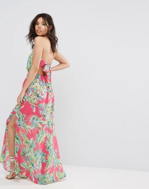 PrettyLittleThing Платье макси с тропическим принтом. Цвет: розовый