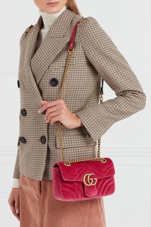 Бархатная сумка на цепочке GG Marmont Gucci. Цвет: розовый