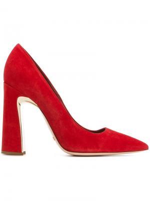 Туфли с заостренным носком Sebastian. Цвет: красный