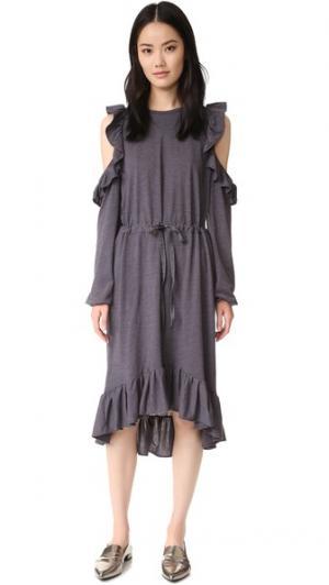 Платье с открытыми плечами Clu. Цвет: пушечная бронза