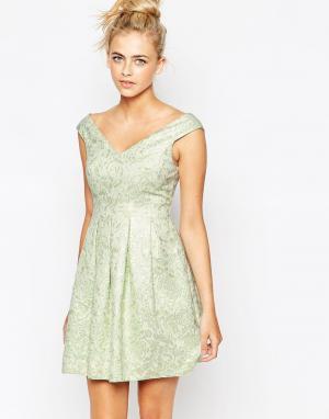Lashes of London Жаккардовое платье. Цвет: зеленый