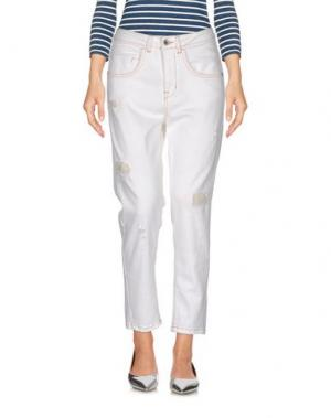 Джинсовые брюки KARTIKA. Цвет: белый