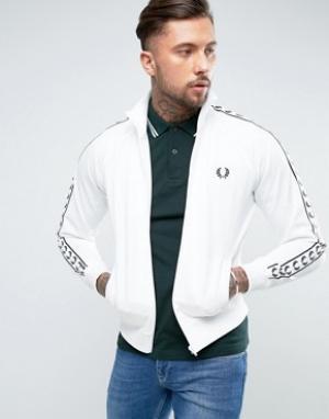 Fred Perry Белая спортивная куртка Sports Authentic. Цвет: белый