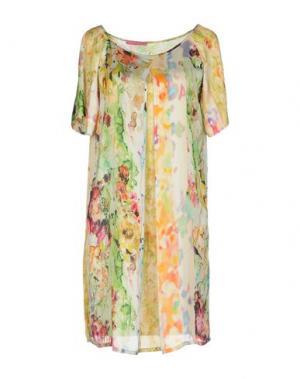 Короткое платье FRANCESCA FERRANTE. Цвет: зеленый