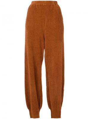 Вельветовые брюки с присборенными штанинами Boboutic. Цвет: коричневый