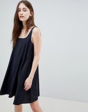 Wood Платье-комбинация в полоску Jojo. Цвет: синий