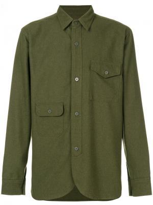 Приталенная рубашка в стиле милитари Han Kjøbenhavn. Цвет: зелёный