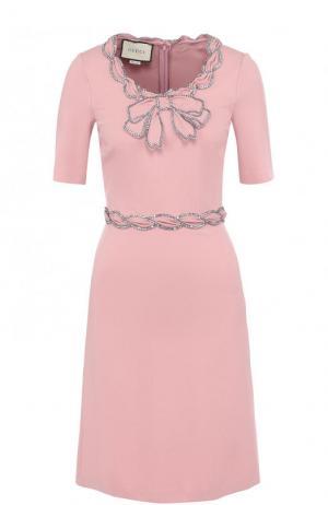 Приталенное мини-платье с круглым вырезом и коротким рукавом Gucci. Цвет: розовый