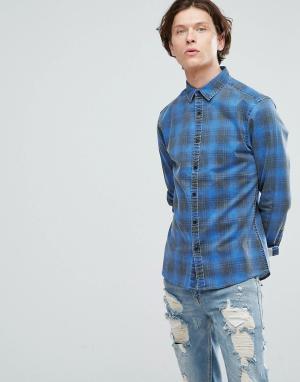 ASOS Зауженная джинсовая рубашка в клетку. Цвет: синий