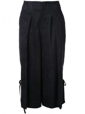 Укороченные плиссированные брюки Taro Horiuchi. Цвет: чёрный